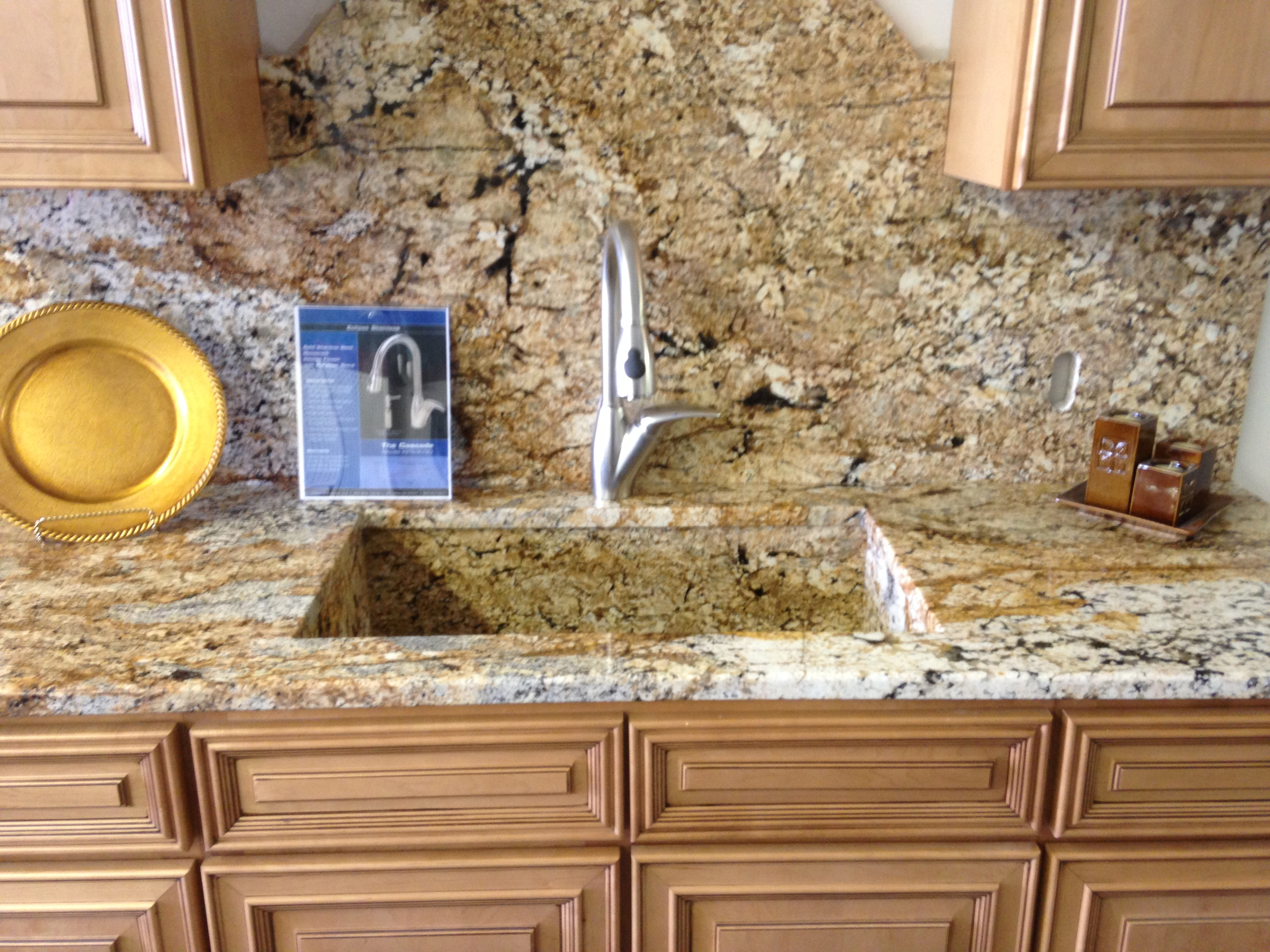 Tile Countertop Materials : for you backsplash including the same material as you countertop, tile ...